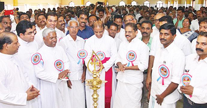 കത്തോലിക്ക കോണ്ഗ്രസ് സഭയുടെ അല്മായശക്തി: ആര്ച്ച്ബിഷപ് മാര് കരിയില്  കത്തോലിക്ക കോണ്ഗ്രസ് നേതൃസംഗമവും 'വിഷന് 2020'യും ഉദ്ഘാടനം ചെയ്തു
